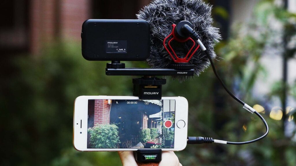 Best Budget Kit for Travel Videos and Vlogs – Beginners